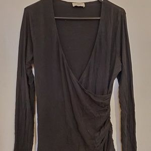 Black vneck style Long sleeved